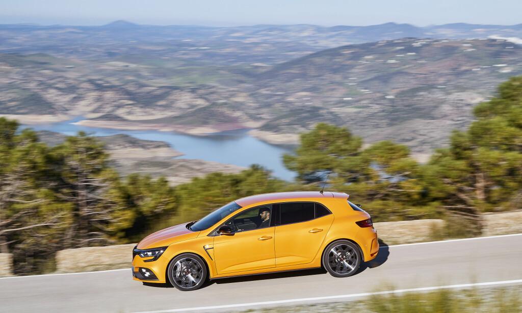 KOMPAKT-RACER: Megane R.S. skal konkurrere mot VW Golf GTi, Peugeot 308 GTi og Hyundai i30 N. Foto: Renault