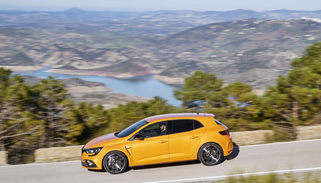 <strong>KOMPAKT-RACER:</strong> Megane R.S. skal konkurrere mot VW Golf GTi, Peugeot 308 GTi og Hyundai i30 N. Foto: Renault