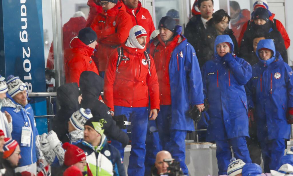 GODT INNPAKKET: Det var ikke så lett å få øye på kronprins Haakon på tribunen under skisprinten i Alpensia Cross-Country Skiing Centre i Pyeongchang tirsdag. Haakon er kongefamiliens representant i Sør-Korea under vinter-OL 2018 Foto: Terje Pedersen / NTB scanpix