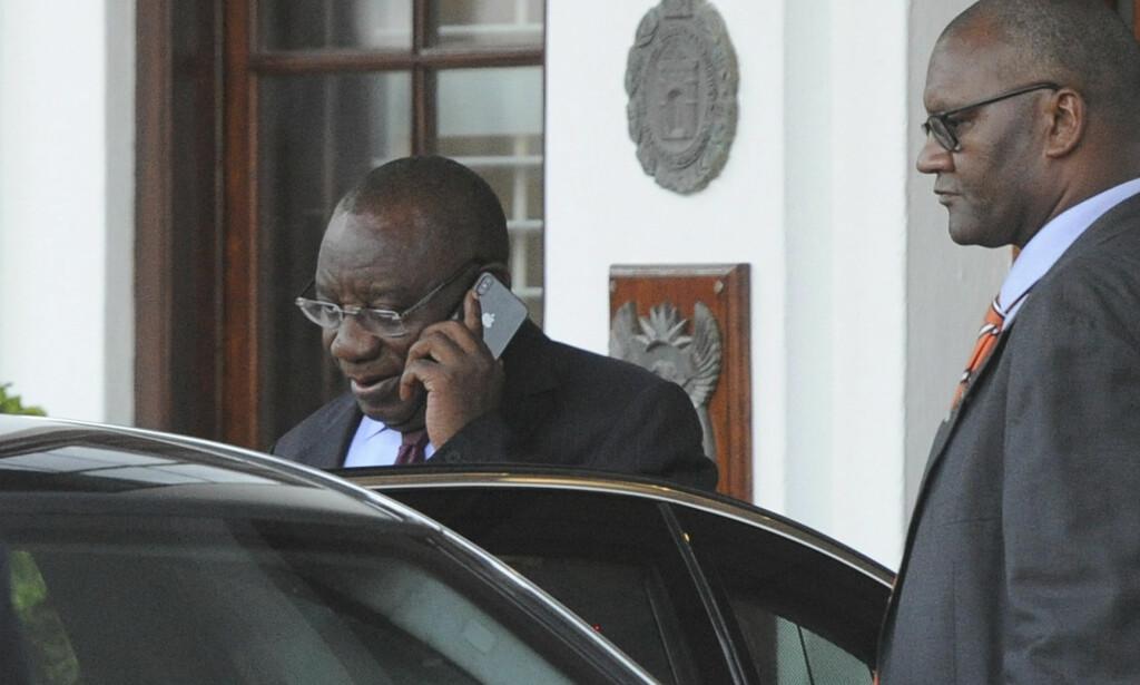 AVSATT: African National Congress (ANC) ber Sør-Afrikas president, Jacob Zuma gå av. Foto: Brenton Geach / AP / NTB scanpix