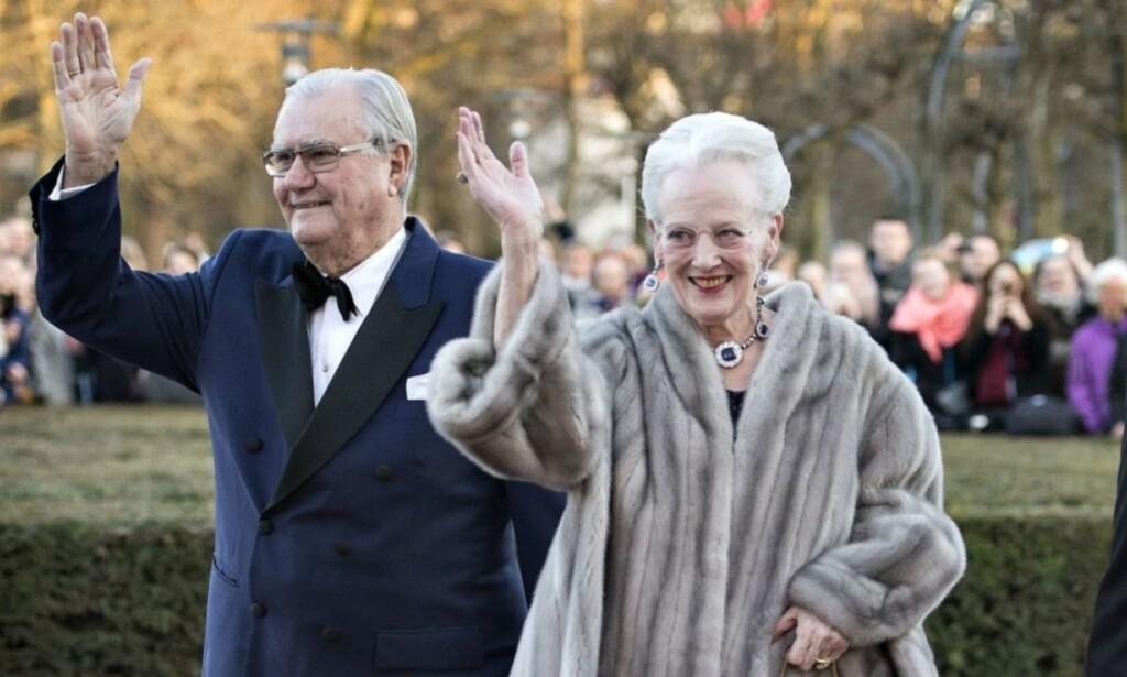 BLE 83 ÅR: Prins Henrik av Danmark døde sent tirsdag kveld. Han ble 83 år gammel. Her er han sammen med dronning Margrethe. Foto: NTB scanpix