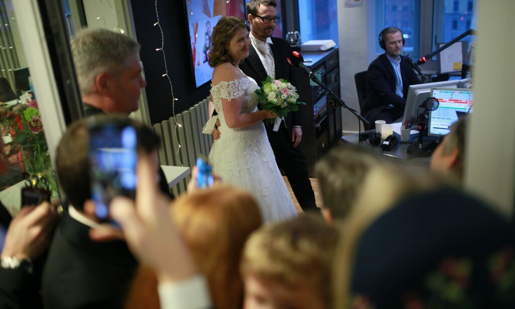 """GRÅT LIKE MYE SOM I ET NORMALT BRYLLUP: Kristine Emilie Høibak-Opsahl, venninnen til bruden, meldte paret på konseptet """"gifteklar"""". Høibak-Opsahl sa at hun gråt like mye som i et normalt bryllup."""