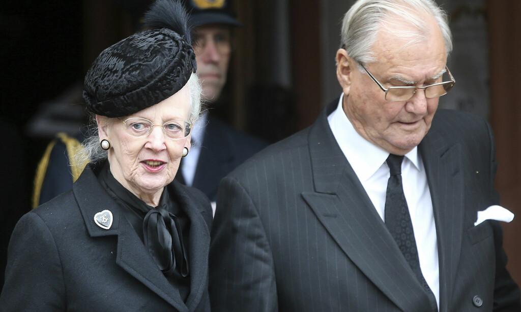 BLIR GRAVLAGT ETTER EGET ØNSKE: På en pressebriefing onsdag formiddag ble det kjent at prins Henrik blir gravlagt slik han selv ønsket, og ikke ved siden av sin kone, dronning Margrethe. Foto: NTB Scanpix.