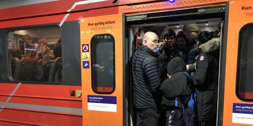 image: Hvert fjerde rushtidstog på Østfoldbanen er forsinket eller innstilt