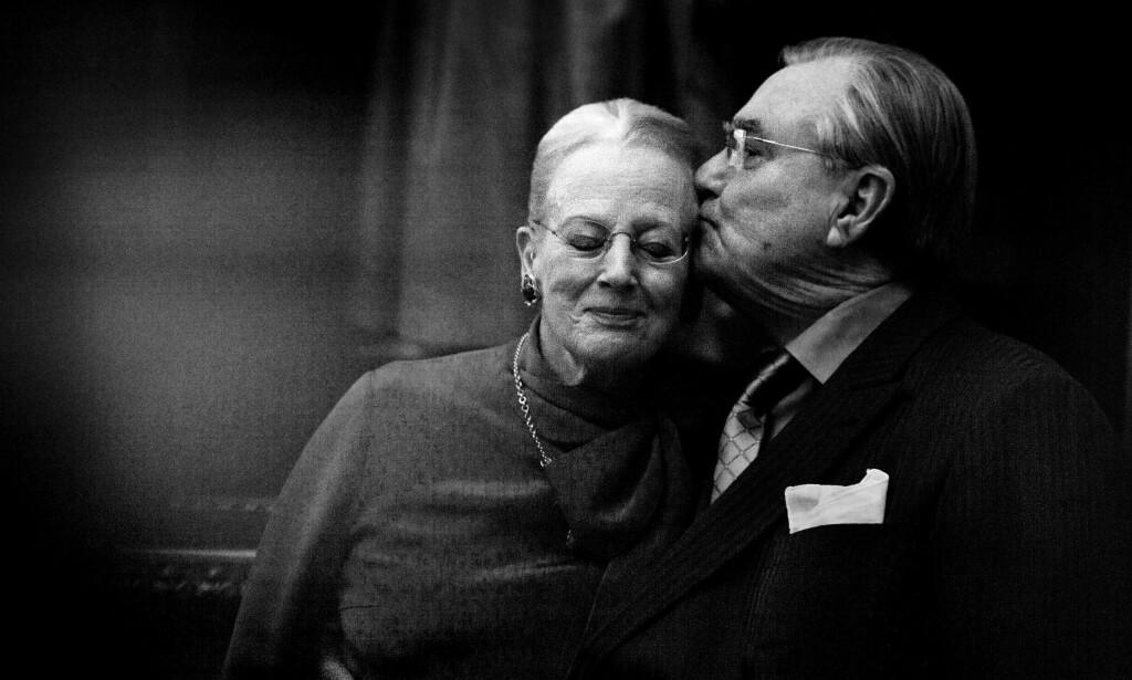 I GODE OG ONDE DAGER: Dronning Margrethe og prins Henrik fikk 51 år sammen som ektepar. Prins Henrik sovnet stille inn tirsdag kveld på Fredensborg Slott. Foto: NTB Scanpix