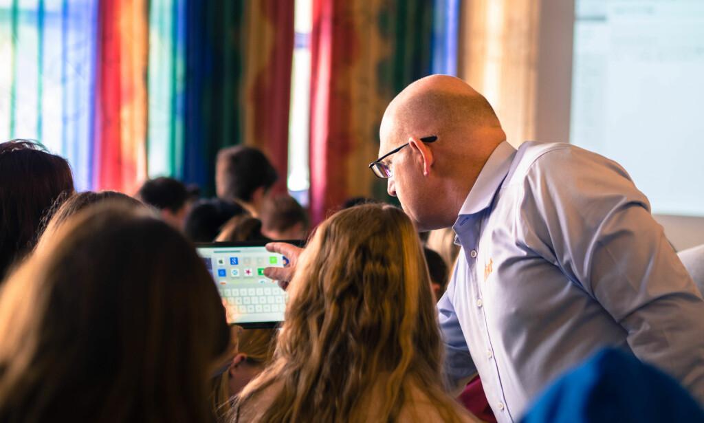 DIGITALT: Direktør Erling Grønlund (bildet) og hans selskap Rikt har drevet digital opplæring i skole og barnehage i over 100 kommuner. Foto: Rikt