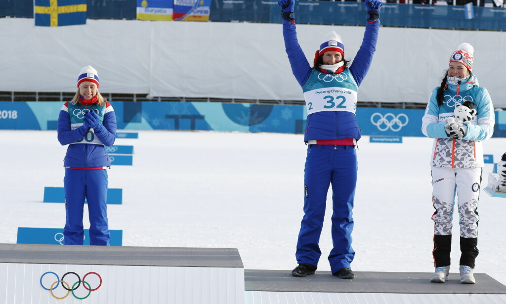 DELT MEDALJE: Marit Bjørgen og Krista Pärmäkoski delta bronsemedaljen på 10 kilometer fristil da Ragnhild Haga ble olympisk mester. Foto: Bjørn Langsem / Dagbladet