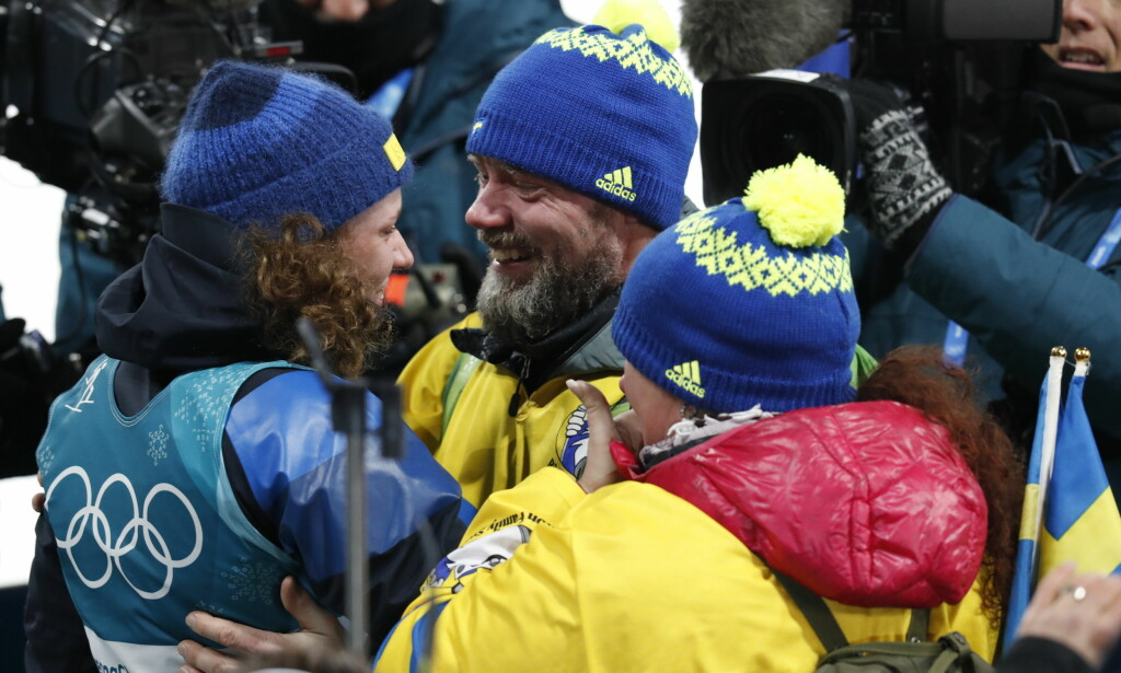 KLEM: Hanna Öberg feirer gullet med foreldre på plass i Sør-Korea. Foto: Bjørn Langsem / Dagbladet