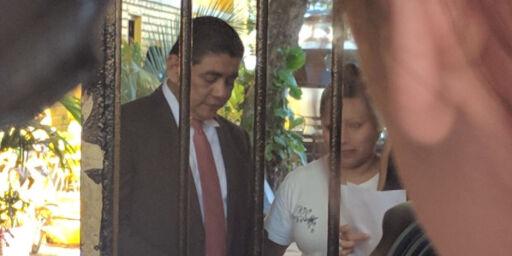 image: Teodora Vasquez, drapsdømt for dødfødsel i 2008, er løslatt