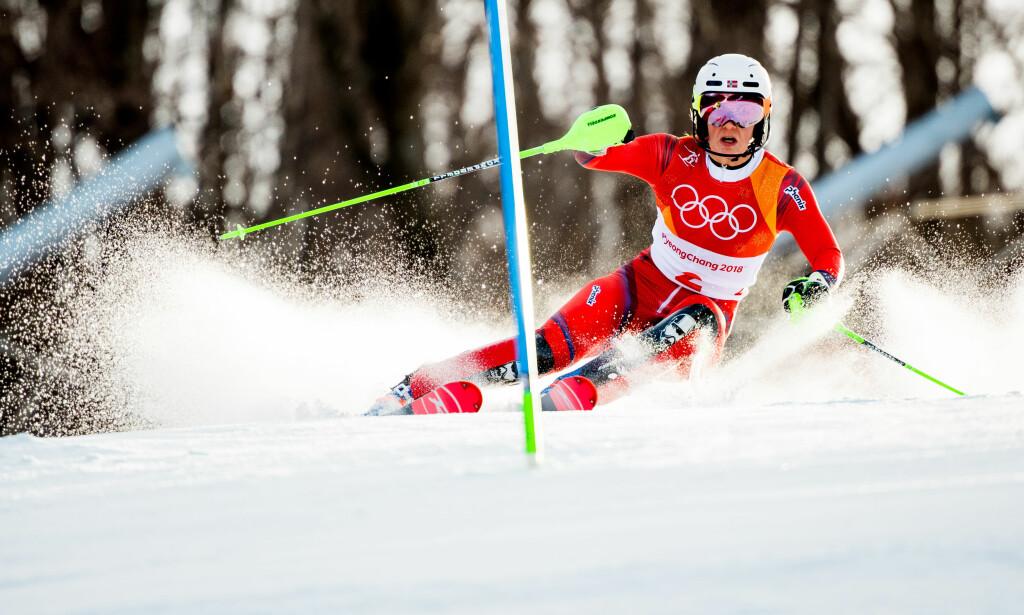 NY NORSK MEDALJE? Nina Haver-Løseth ligger godt an til å ta medalje etter at første omgang i slalåm er kjørt. Foto: Bildbyrån