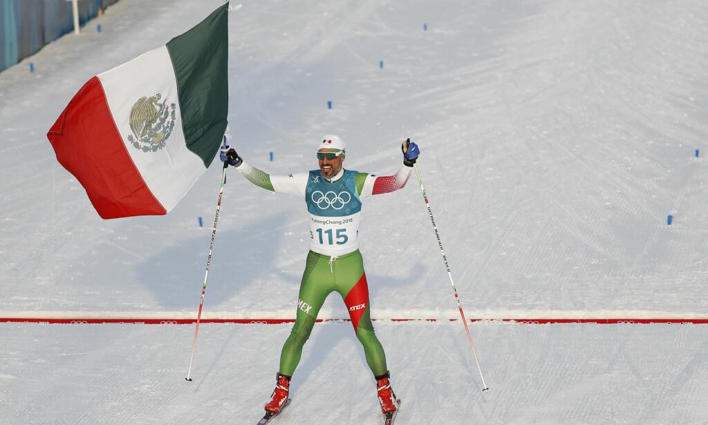 SMILENDE SISTEMANN: German Madrazo (43) virket godt fornøyd selv om han endte helt sist under dagens 15-kilometer. Foto: REUTERS/Murad Sezer/NTB Scanpix