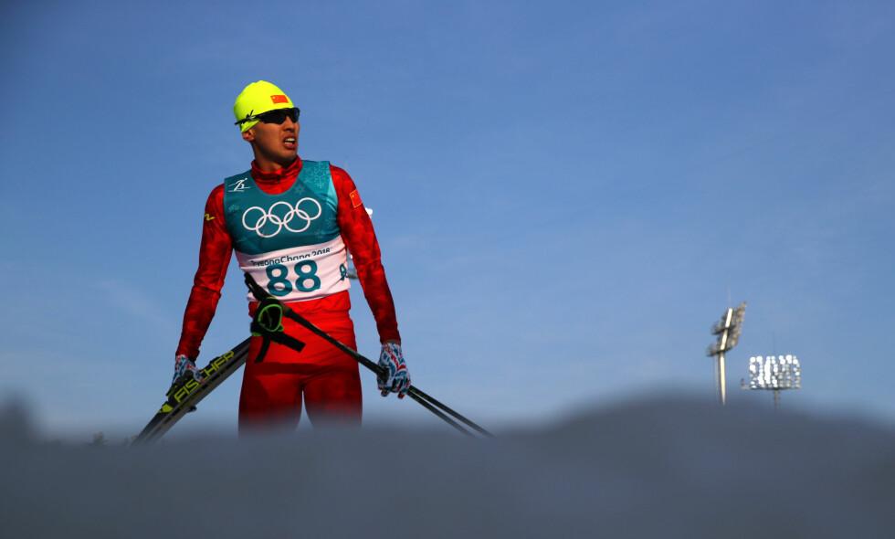 SNARVEI: Wang Qiang tok en snarvei på tre kilometer og ledet plutselig 15-kilometeren med nesten fem minutter foran Dario Cologna. Så ble han avslørt og disket. Foto: REUTERS/Carlos Barria