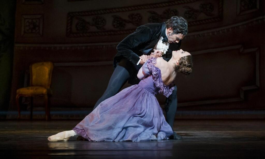 VANSKELIG KJÆRLIGHET: «Onegin», som danses i Operaen, er en av de mest populære og følelsesmessig komplekse klassiske ballettene. Foto: Jörg Wiesner / Det Norske Opera og Ballett