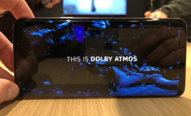 <strong>STEREOLYD:</strong> S9 og S9+ har høyttaler i topp og bunn og støtter Dolby Atmos. Skjermene er fortsatt av AMOLED-typen og har oppløsning på 2960x1440 piksler. Foto: Pål Joakim Pollen