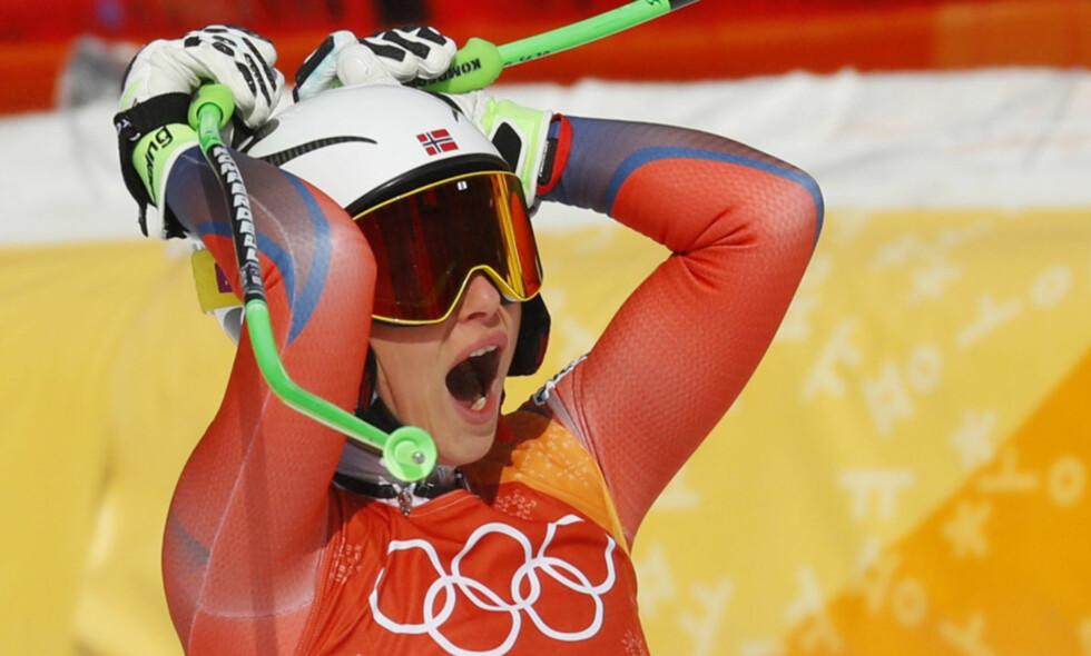 I EKSTASE: Ragnhild Mowinckel slo til med en sølvmedalje i nattas utfor. Her innser hun hvor bra løpet var. Foto: NTB Scanpix