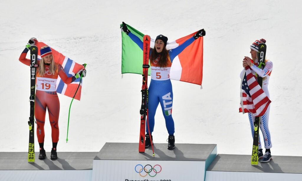 PALLEN: Sofia Goggia vant foran Ragnhild Mowinckel og Lindsey Vonn. Foto: NTB Scanpix