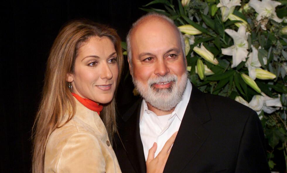 ALDERSFORSKJELL: René Angélil fungerte som Dions manager og mentor før de ble sammen. Aldersforskjellen var på 26 år, noe som fikk moren til å reagere. Her er de avbildet sammen i 1999. Foto: AP Photo/ NTB scanpix