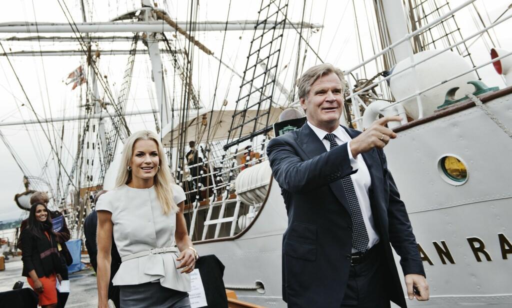 PENGEDRYSS:  Celina Midelfart og Tor Olav Trøim kan glede seg over en fantastisk reise i Storebrand. Foto: Eivind Yggeseth.