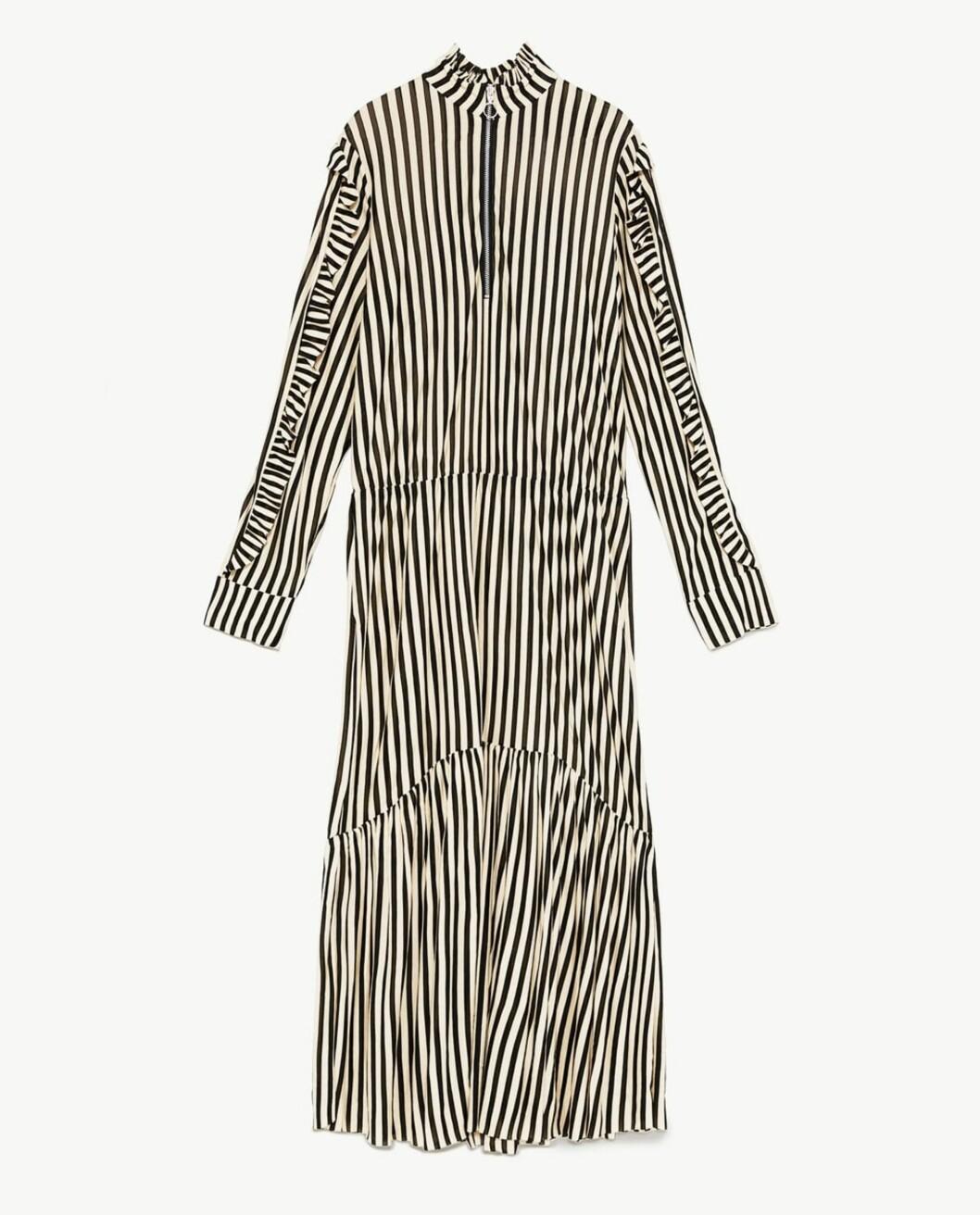 <strong>Kjole fra Zara |349,-| https:</strong>//www.zara.com/no/no/stripet-kjole-med-glidel%C3%A5s-p05644317.html?v1=5832082&v2=805004