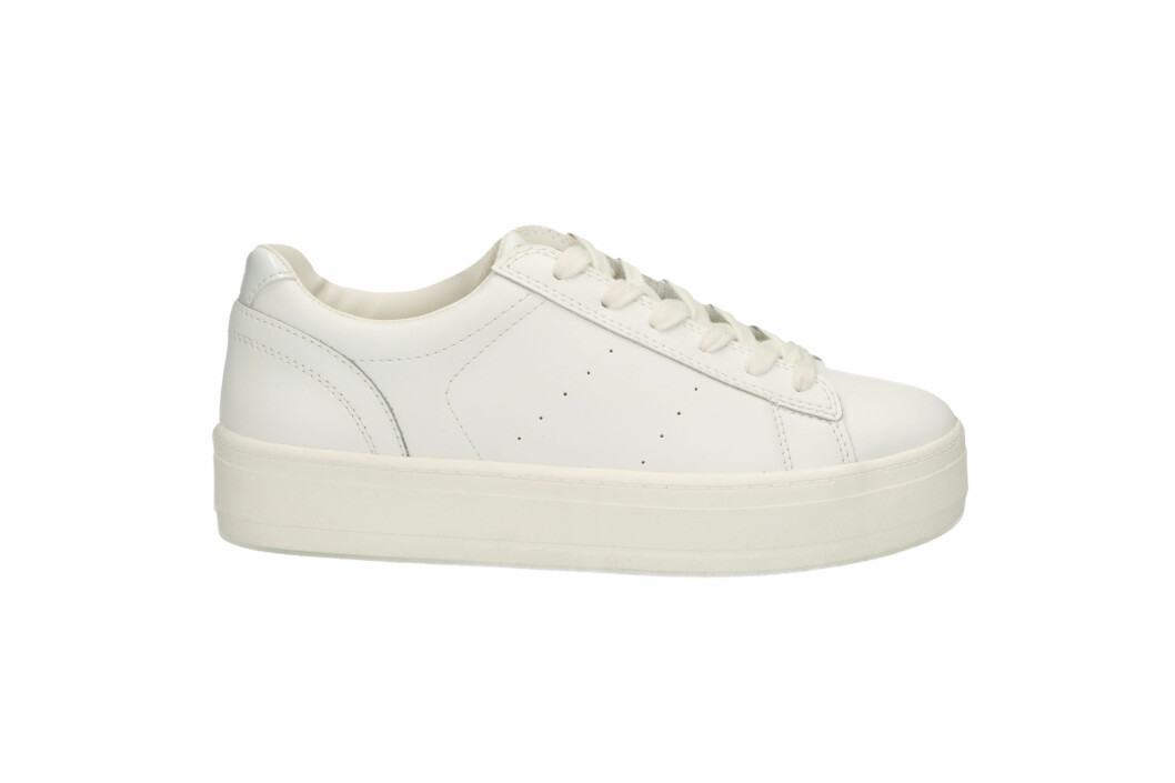 <strong>Sneakers fra Roots |699,-| https:</strong>//www.eurosko.com/no/products/roots/roots-5023/?itemId=35682001