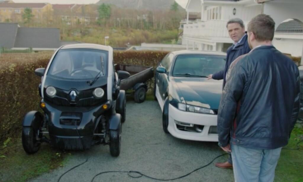 FÅR KJEFT: Tv-økonom Magne Gundersen gir Leif Kåre det glatte lag når han hører om bilkjøpene. Foto: TV3