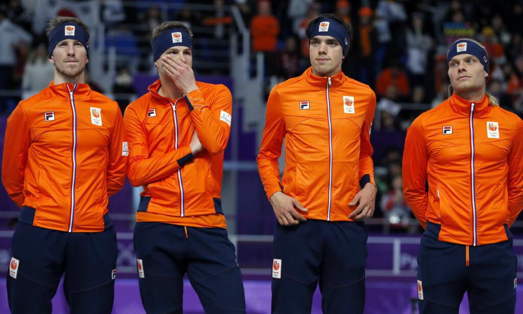 KNUST: Norge slo Nederland allerede i dagens semifinale. Fra høyre til venstre: Koen Verweij, Patrick Roest, Sven Kramer og Jan Blokhuijsen. Foto: REUTERS / Phil Noble / NTB Scanpix