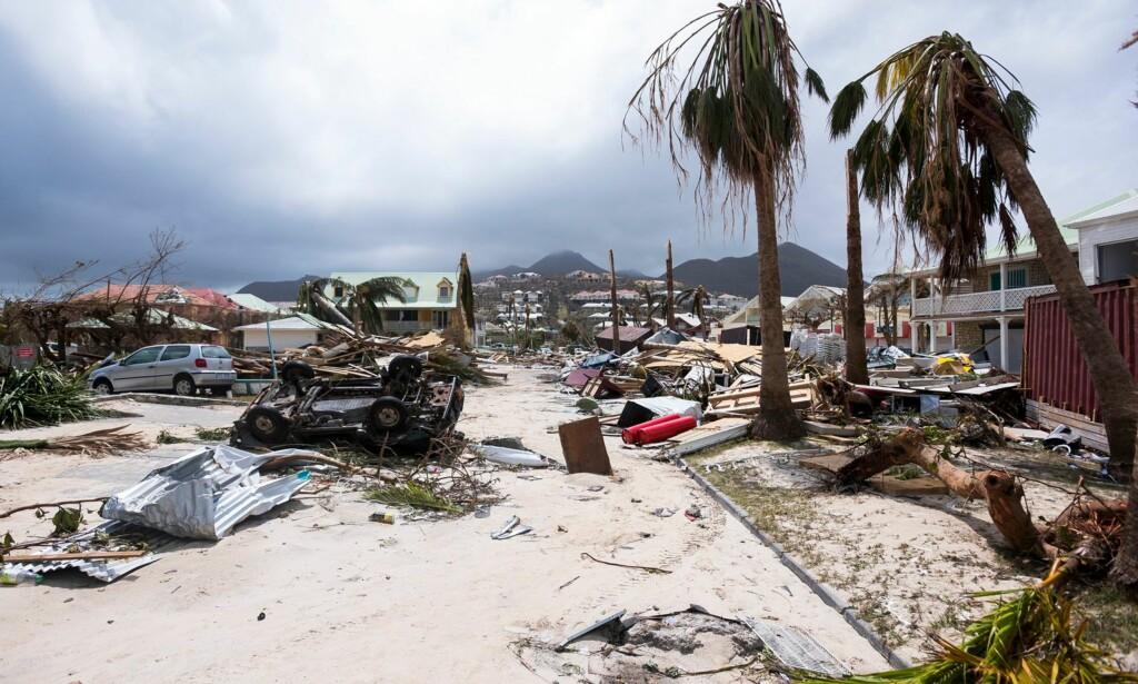 ORKAN: Slik så det ut ved Orient Bay på øya Saint Martin etter Irmas herjinger i september i fjor. Forskere mener at det er på tide å innføre en ny orkan-kategori, kategori seks. Foto: NTB scanpix