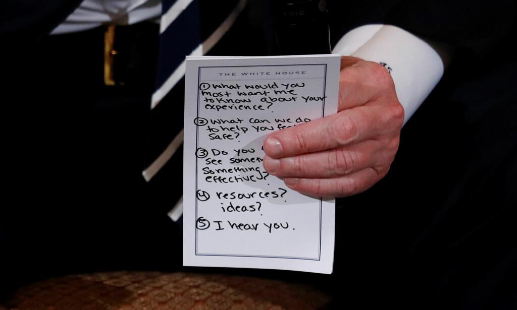 LAPPEN: De fem punktene skrevet ned på papirlappen har skapt en storm av reaksjoner i USA: Foto: Reuters