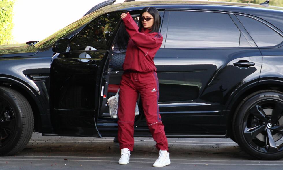 AVSLØRING: Kylie Jenner har holdt en lav profil siden fødselen, men nå har hun gitt fansen en avsløring om datteren Stormi Webster. Foto: NTB Scanpix