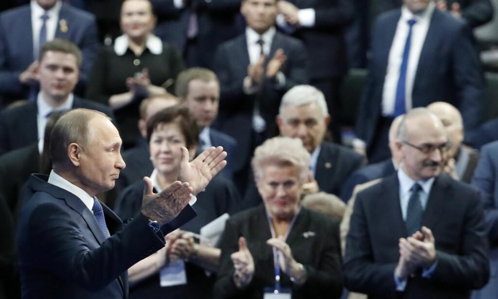 HYBRIDANGREP: Russlands president Vladimir Putin står bak gjentatte hybridangrep mot Vesten, mener forfatter og journalist Øystein Bogen. Foto: Grigorij Dukor / Reuters / NTB Scanpix