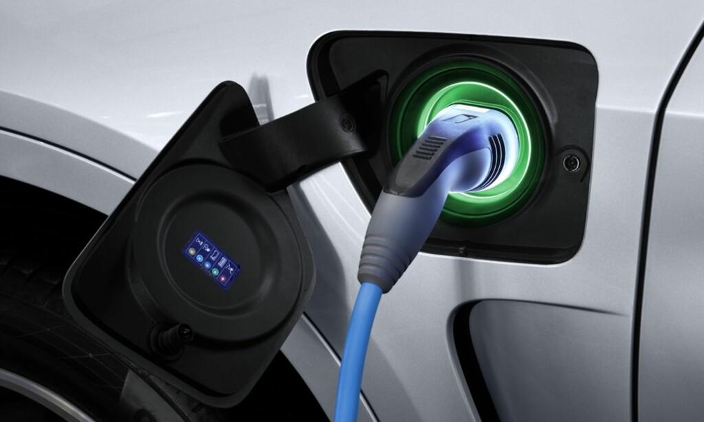 KOMMER SENERE: Dagens X5 har latterlig kort rekkevidde. Vi gleder oss til å se hva BMW kommer opp med når den ladbare hybriden er på plass. Foto: BMW