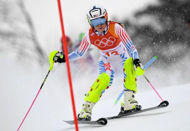 KJØRTE UT: Lindsey Vonn ledet etter utfordelen av den alpine kombinasjonen, men kjørte ut i slalåmdelen og fullførte ikke det som trolig var hennes siste olympiske renn. Foto: Javier Soriano / AFP / NTB Scanpix