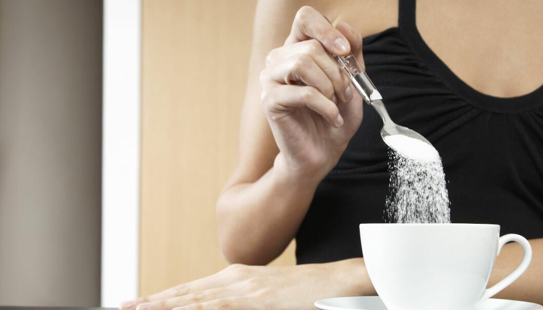 SUKKER: Sukker er en bidragsyter til overvekt, derfor er det lurt å kutte endel av dette. FOTO: NTB scanpix