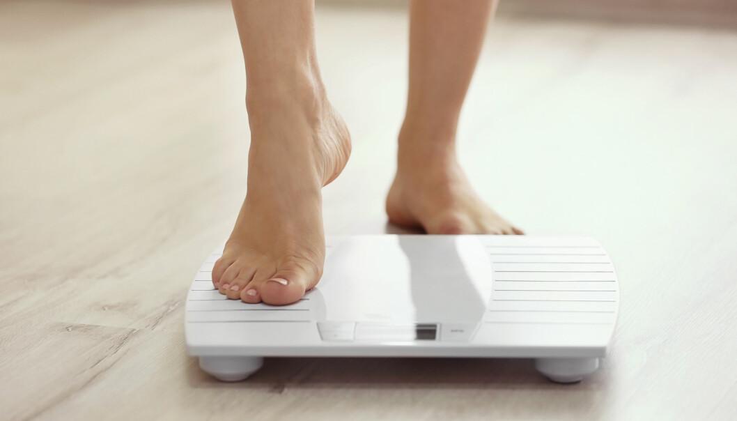 NED I VEKT: Med disse sju rådene får du en enkel innføring i hvordan du kan oppnå en sunn vektreduksjon med et litt smartere kosthold. FOTO: NTB scanpix