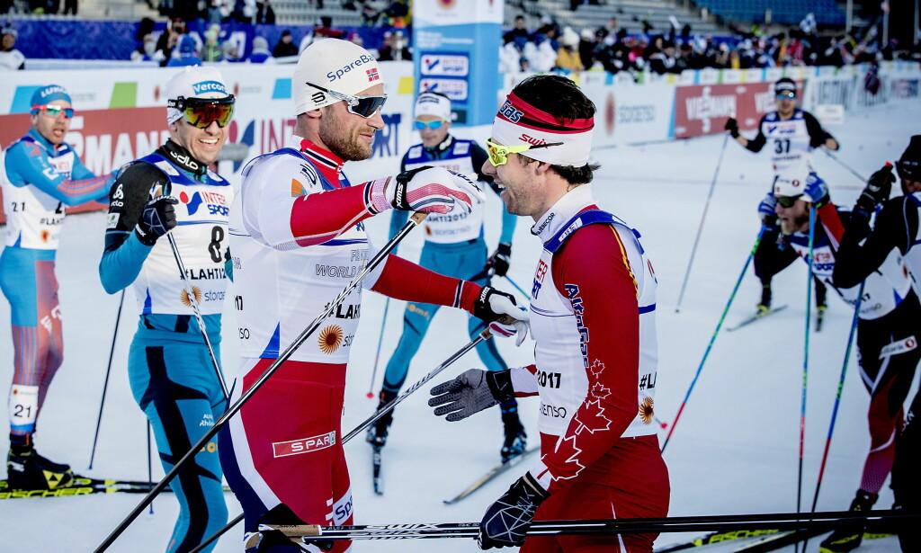 NÅDDE IKKE OPP: Til tross for alle gullmedaljene, fikk verken Petter Northug eller Ole Einar Bjørndalen delta i Pyeongchang. De nådde ikke opp i konkurransen, skriver artikkelforfatteren. Her gratulerer Petter Northug vinneren Alex Harvey etter femmila under fjoråretes ski-VM i Lathi. Foto: Bjørn Langsem