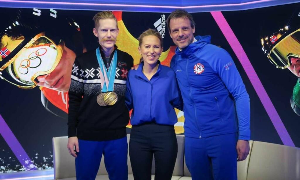 HOPPGJESTER: Eurosport og Anne Sturød har hatt mange suksessrike norske gjester i studio de siste dagene. Her hopperen Robert Johansson og trener Alexander Stöckl. FOTO: SIGURD KNUDSEN / EUROSPORT
