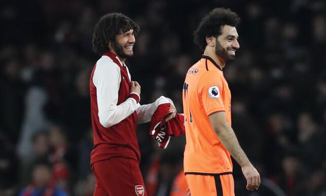 GODE VENNER: Arsenals Mohamed Elneny og Mohamed Salah. Foto: David Klein/Sportimage via PA Images/NTB Scanpix