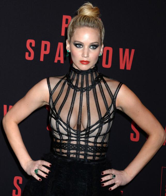 PÅ PREMIERE: Jennifer Lawrence på premieren for filmen «Red Sparrow» i New York, mandag. Foto: Pa Photos.