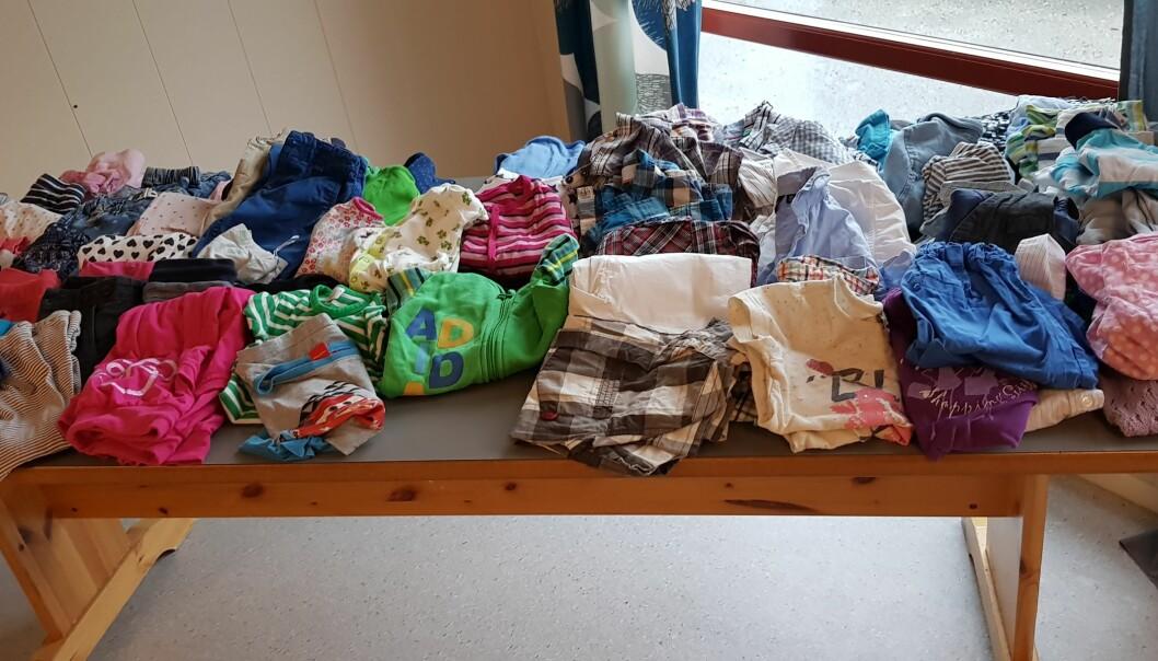 STORT UTVALG: Klær, bøker, leker og utstyr er noe av det man kan ta med seg hjem helt gratis på byttedagen i Espira Ulvenvatnet. Foto: Privat
