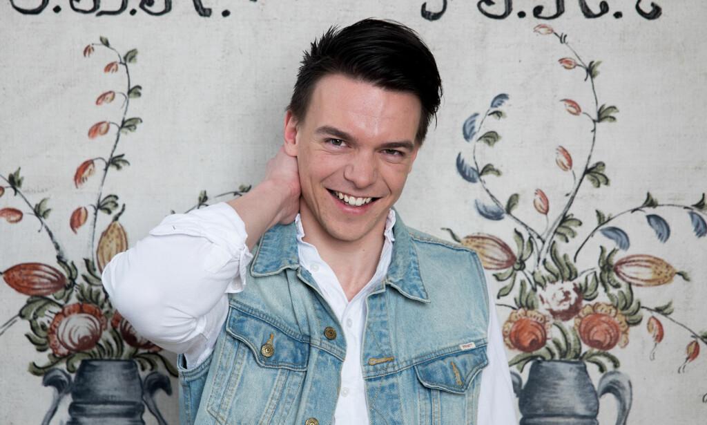 IKKE FØRSTE GANG: Simen Gjølberg var en av frierne i fjorårets «Jakten på kjærligheten». Da ble det ikke full klaff, men det håper han på i år, når han selv er en av bøndene. Foto: Espen Solli/ TV 2