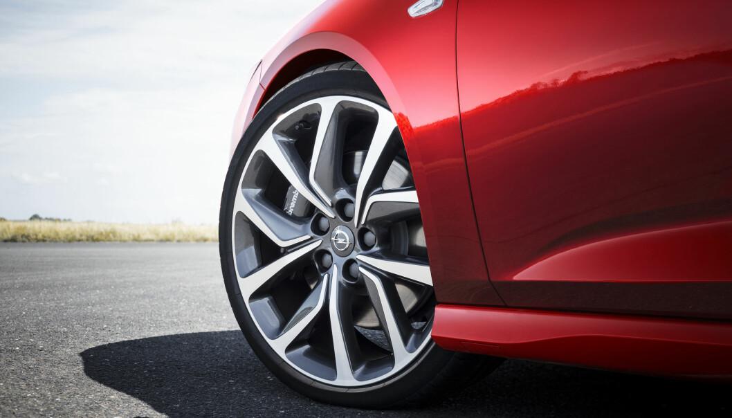 <strong>LETTERE:</strong> Det er barbert 1,5 kilo pr. hjul. Lite uavfjæret vekt er viktig for kjøreegenskapene. Foto: Opel