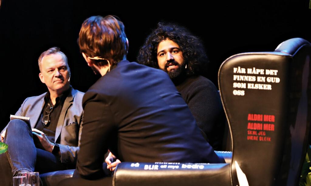 PANELET: Joacim Lund i Aftenposten og Sandeep Singh fra VG diskuterer. Foto: Christian Roth Christensen / Dagbladet