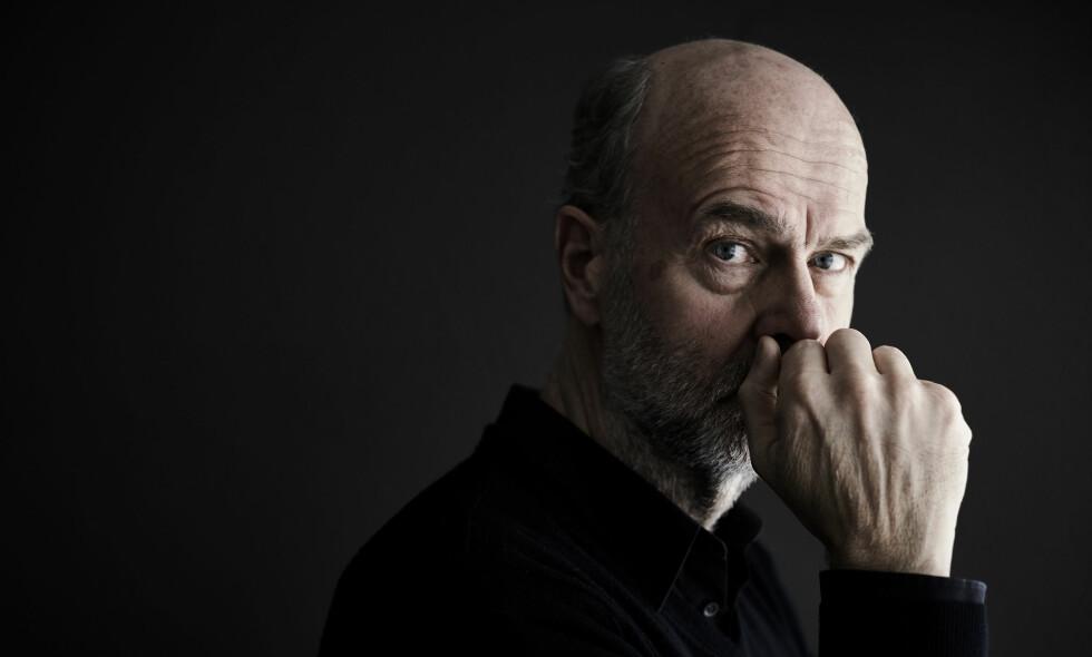 Fokus: - Diskusjoner om terroristen og hans tankegang har tatt for stor plass, og snakk om minnesmerker og reparering av Oslo ledet oppmerksomheten vekk fra det som er viktigst å huske, sier regissør Erik Poppe.