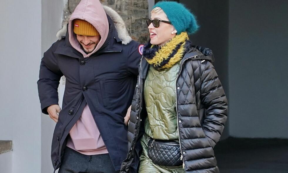 SAMMEN IGJEN?: Stjerneduoen Orlando Bloom og Katy Perry fortsetter å sette fart i spekulasjonene rundt om de har blitt et par igjen. Her er de nylig avbildet under en ferie i Praha sammen. Foto: NTB Scanpix
