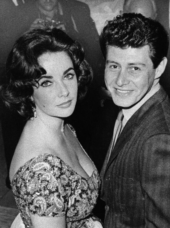 NY ROMANSE: Dette bildet ble tatt av Taylor og Fisher før de giftet seg i 1959. På tidspunktet var han fortsatt gift med Debbie Reynolds, og affæren skapte overskrifter verden over. Foto: AP, NTB scanpix