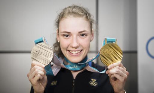 OVERRASKELSESKVINNEN: Hanna Öberg fikk med seg ett gull og en sølvmedalje fra OL i Pyeongchang. Foto: Bildbyrån