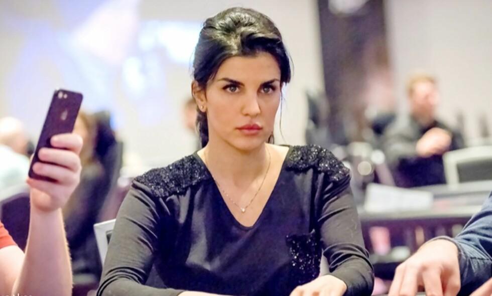 POKERSPILLER: Aylar Lie har de siste åra slått seg opp som en profilert pokerspiller. Hun mener de norske poker-reglene bør endres. Foto: Partypoker