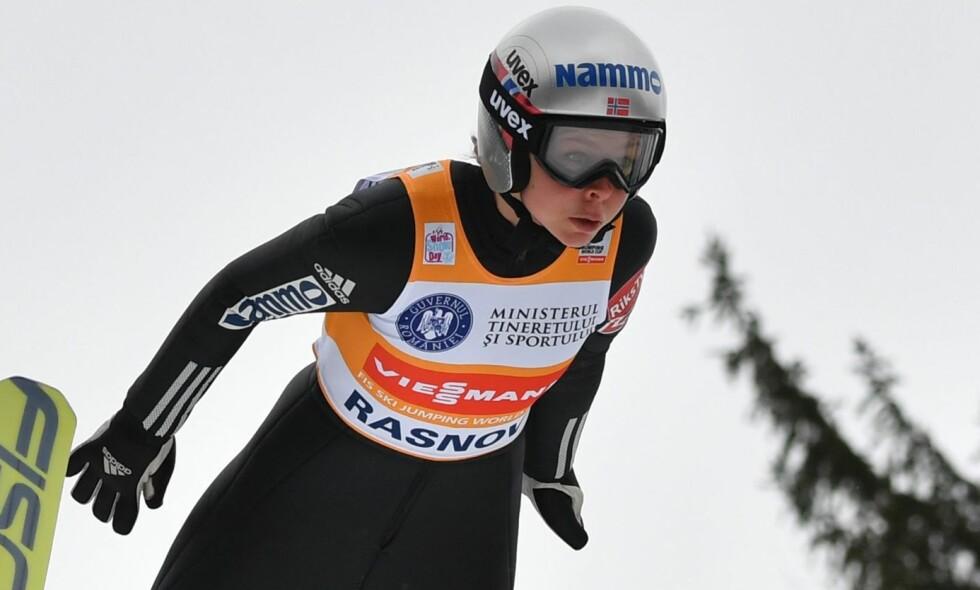 SUVEREN: Maren Lundby har vært på pallen i samtlige renn hun har stilt opp i denne sesongen. Foto: Daniel Mihailescu / AFP Photo / NTB Scanpix