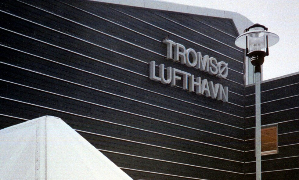 EVAKUERT: Tromsø lufthavn måtte evakueres søndag kveld, da en person tok seg inn i terminalen uten å ha blitt sikkerhetsklarert. Arkivfoto: Gorm Kallestad / NTB scanpix