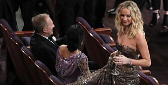 Her går det nesten galt for Jennifer Lawrence - igjen